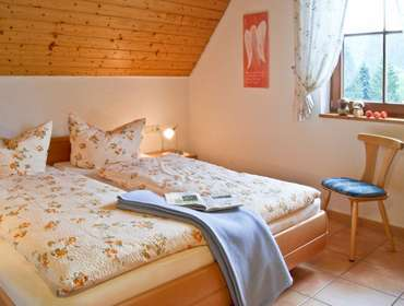 schlafzimmer_1 Löcherhansenhof Bad Peterstal-Griesbach - Bad Peterstal
